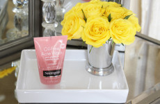 Unseen Acne, Neutrogena, Acne, How to Treat Acne, Oil Free Acne Wash Pink Grapefruit